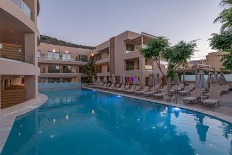 Cactus Hotel: Etwa 400 feste und Saison-Mitarbeiter beschäftigt der Hotelier insgesamt