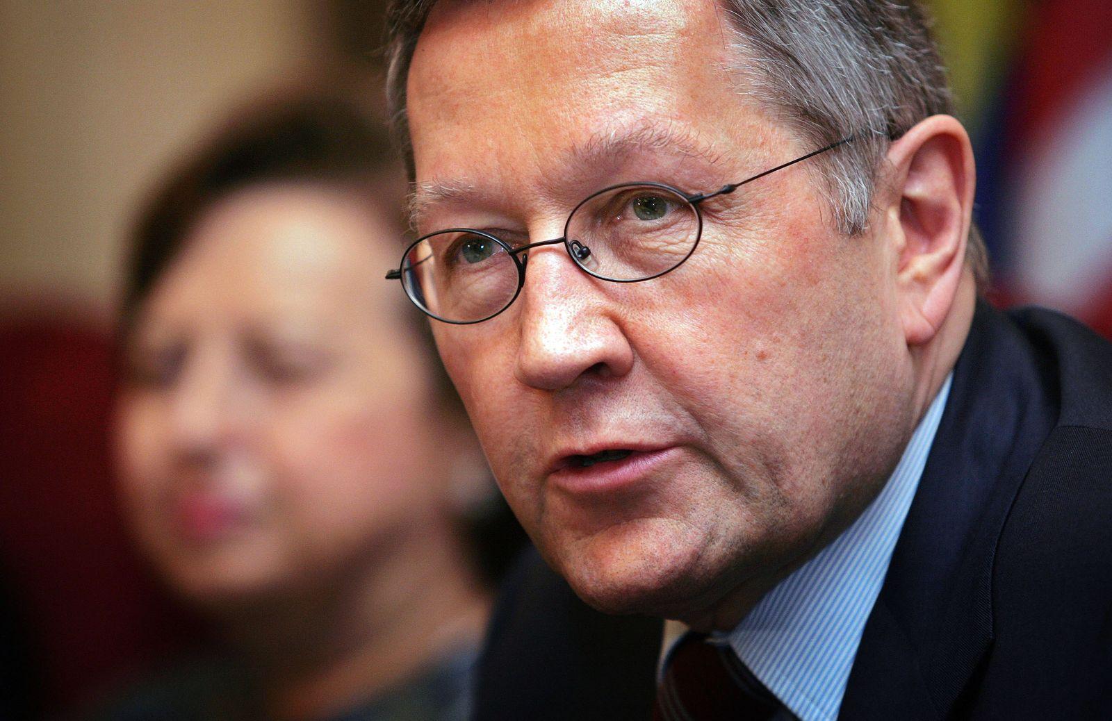 Klaus Regling / ernst