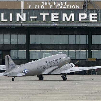 Berlin Tempelhof: Volksentscheid soll Flughafen retten