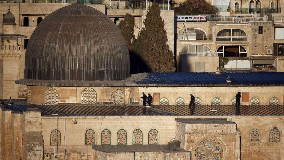 Randale auf dem Tempelberg: Israel schließt al-Aksa-Moschee für Palästinenser