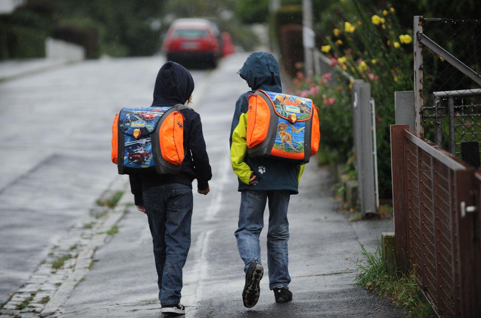 Schulweg Schüler Kinder