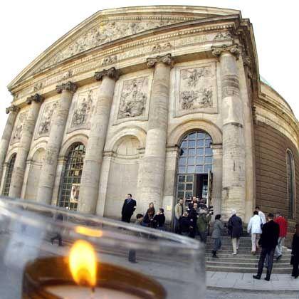 St.-Hedwigs-Kathedrale in Berlin: Wirbel um Gedenkgottesdienst für Hans Filbinger