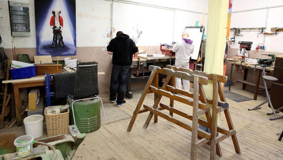 Resozialisierung von Langzeitarbeitslosen in der Franz-Hahn-Werkstatt der Caritas Herten