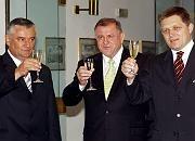 Parteichefs Slota, Meciar, Fico (v.l.): Ein Prosit für die neue Regierung