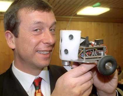 Kevin Warwick: Der britische Kybernetiker hat den Ehrgeiz, der erste Cyborg zu werden