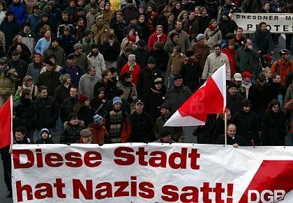 Anti-Nazi-Demonstration in Dresden: Protest gegen rechte Aufmärsche