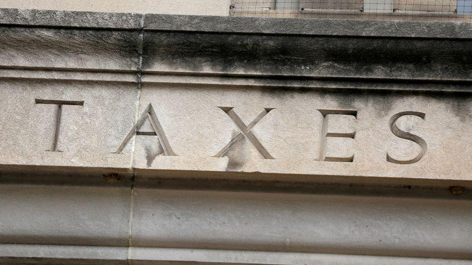 Die Mindeststeuer ist noch nicht in Stein gemeißelt – im Gegensatz zu dieser Inschrift an der US-Bundessteuerbehörde