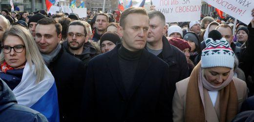 Alexej Nawalny: Russland belegt Mitstreiter des Kremlkritkers mit Einreiseverbot bis 2023