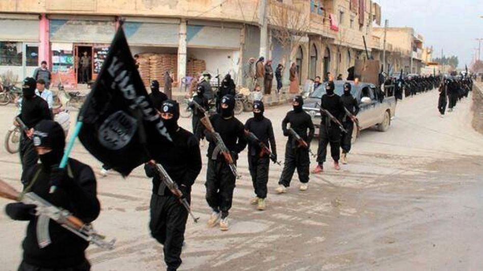 IS-Kämpfer im syrischen Rakka (Archivbild)