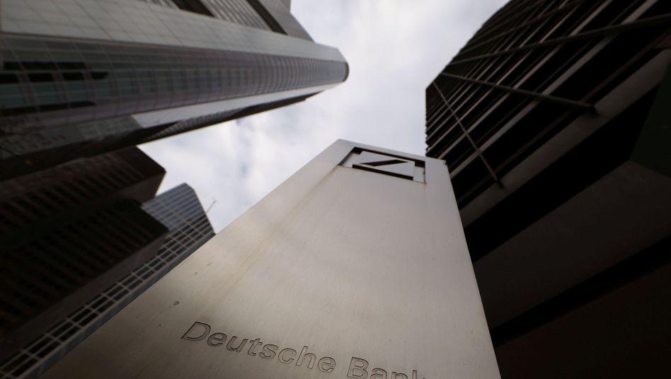 Der Sitz der Deutschen Bank in Frankfurt (Archivbild)