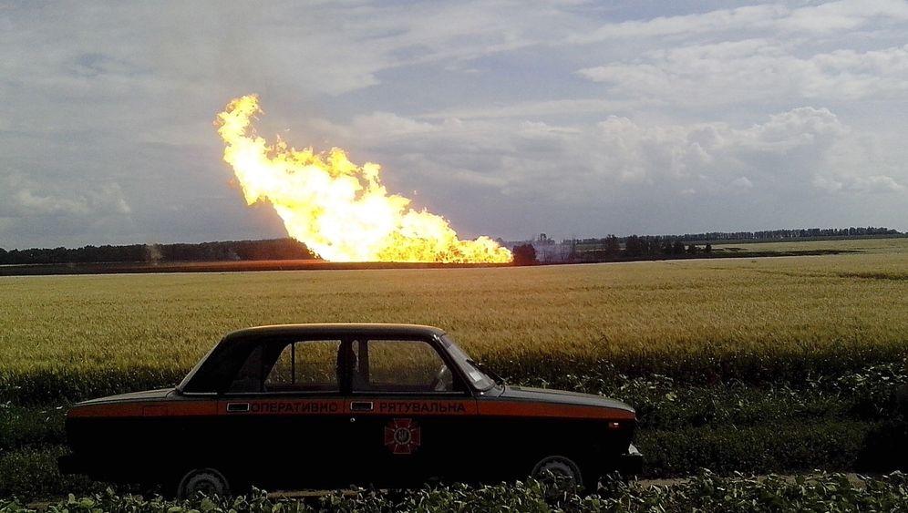 Sabotage: Brennende Raffinerien, gesprengte Pipelines