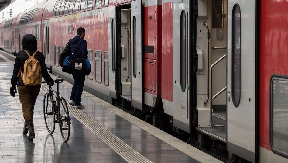 Regionalzug am Frankfurter Hauptbahnhof
