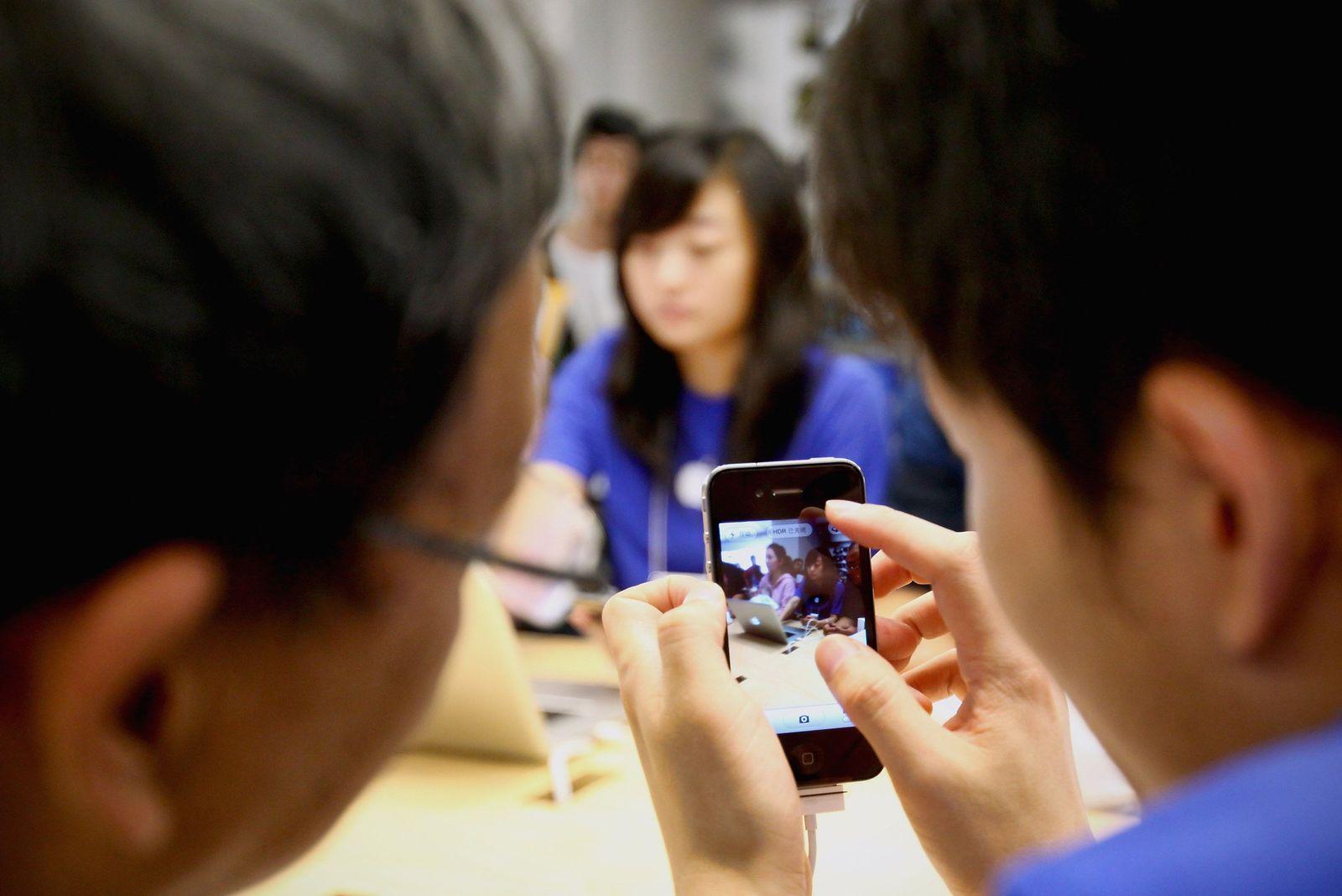 China / Smartphone / iPhone