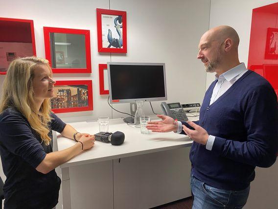 Sebastian Lindemann, Head of Communications & Events bei Philips, im Gespräch mit Sandrina Lorenz