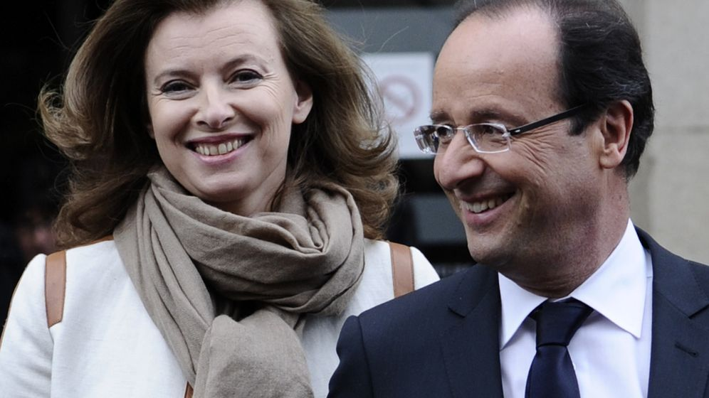 Photo Gallery: François Hollande Takes Over from Sarkozy