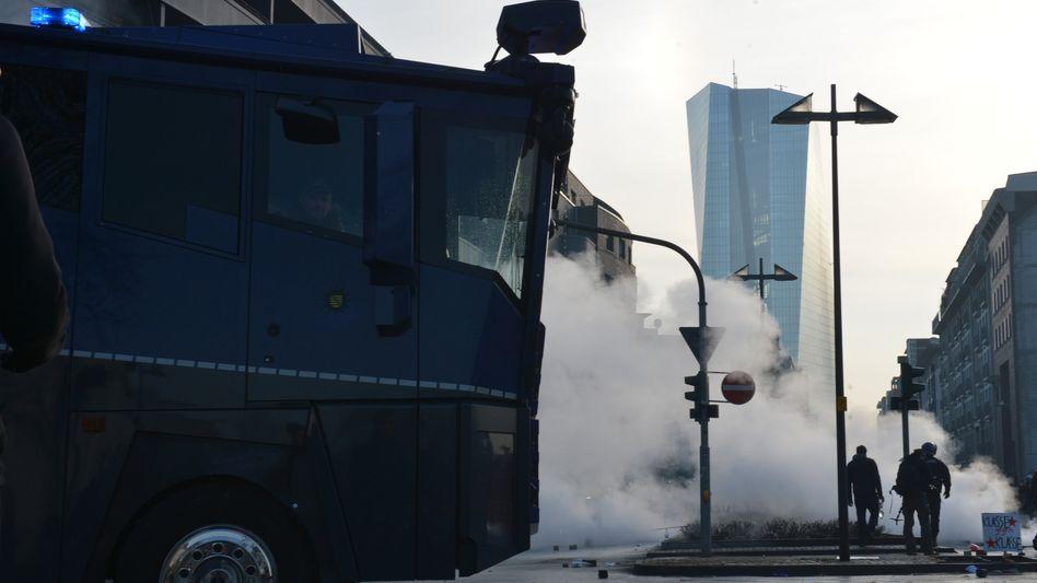 Linke und die EZB: Feindbild in Schwarz-Weiß