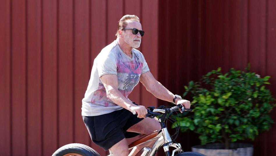 Arnold Schwarzenegger (Archivbild aus dem Mai 2020): Im Oktober Herzoperation überstanden