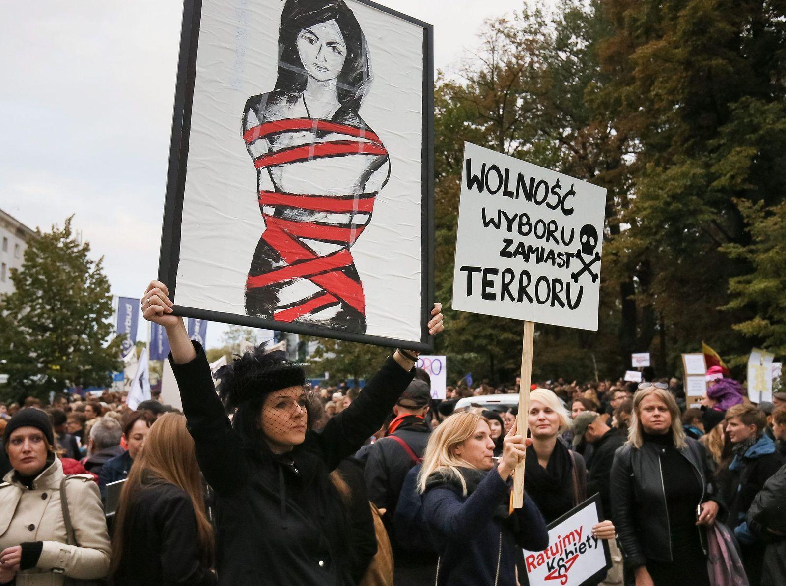 Protest Abtreibungsrecht Polen / Black Protest