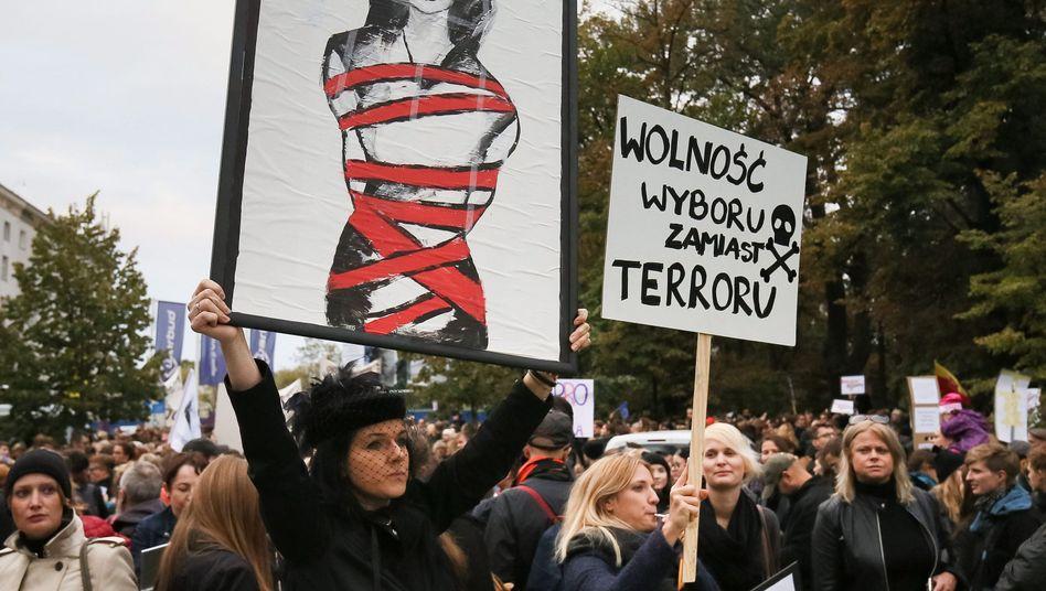 Protest gegen Abtreibungsgesetz in Polen
