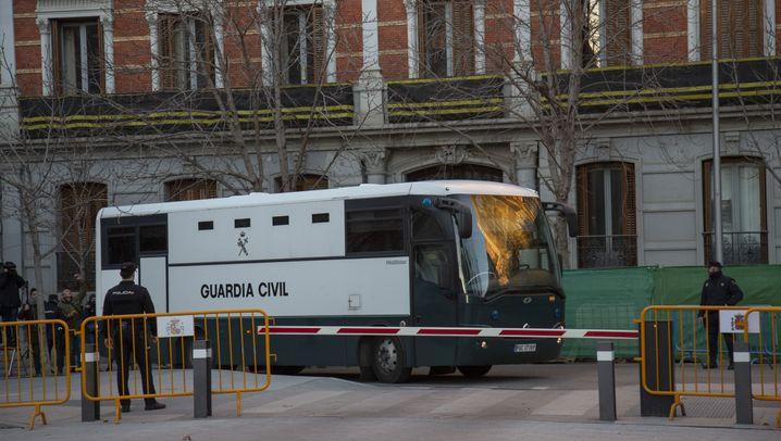 Fotostrecke: Das sind die Angeklagten im Katalonien-Prozess