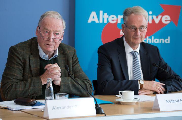 AfD-Politiker Alexander Gauland und Roland Hartwig: Vertrauen einander
