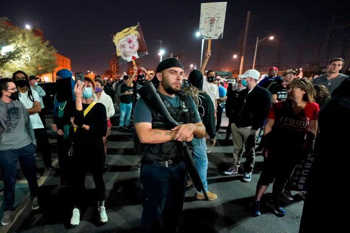 Trump opponents in Arizona