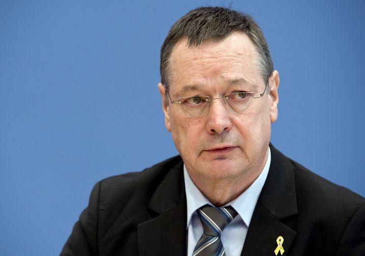 """Wehrbeauftragter Königshaus: """"Großer Belastungsfaktor"""" erreicht"""