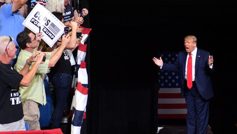 Ausnahmsweise mit Abstand: Donald Trump auf Wahlkampf in Tulsa, Oklahoma im Juni