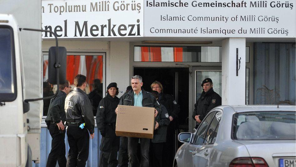 Durchsuchung in der Zentrale von Milli Görüs: Teilnahme an Islam-Konferenz in Gefahr