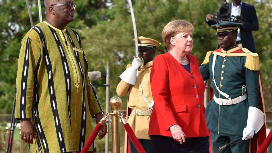 Angela Merkel und Roch Marc Christian Kabore in Ouagadougou