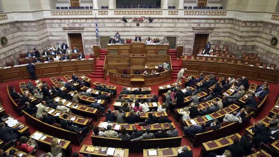"""Griechisches Parlament in Athen: """"Das ganze Land gerettet"""""""