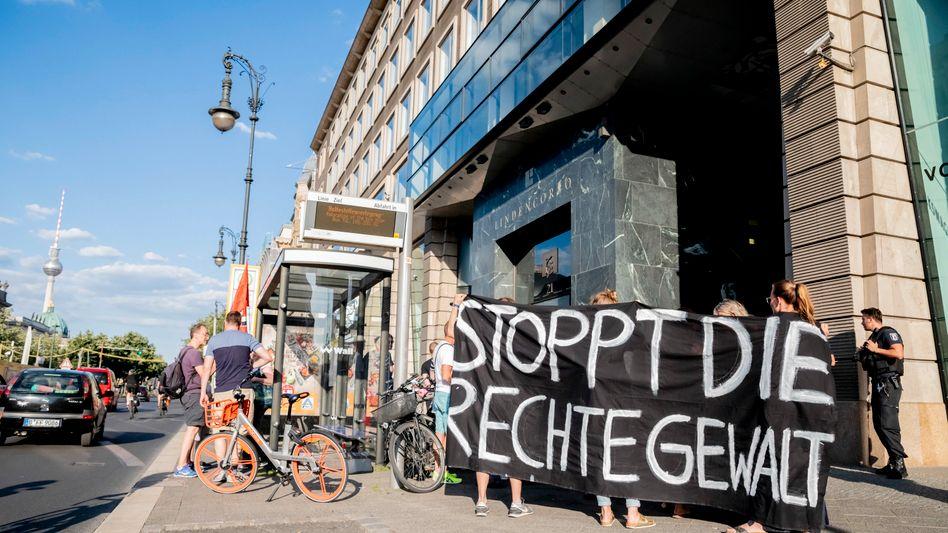 Kundgebung gegen rechte Gewalt in Berlin