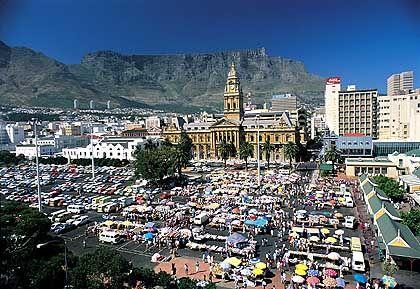 Kapstadt: Eine der schönsten Städte der Welt - umgeben von Elendsvierteln