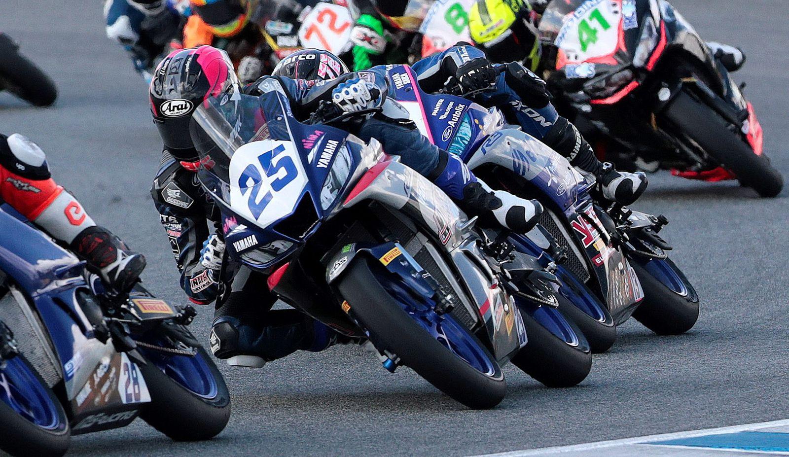 SuperSport300 race