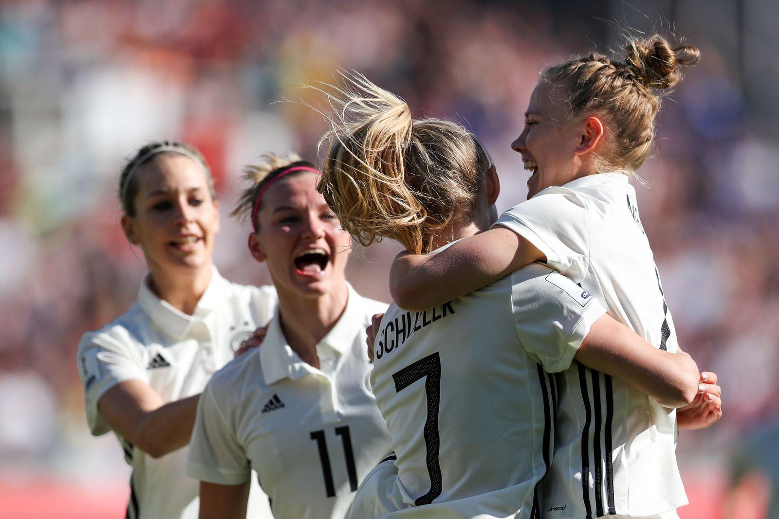 Fußball Frauen Deutschland - Tschechien