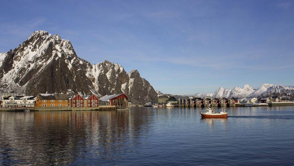 Hafen von Svolvaer in Nordnorwegen