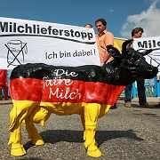 Protest deutscher Milchbauern: Supermarktketten reagieren auf Boykott