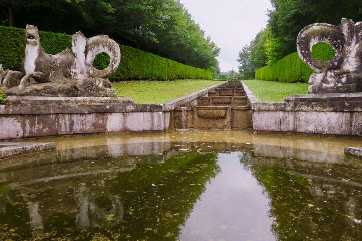 Garten von Schloss Bizy: Weitläufig und herrschaftlich