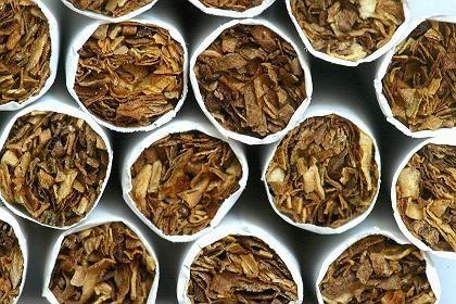 Zigarettenstapel: Mehr als sieben Milliarden Stück im Wert von 87 Millionen Euro geschmuggelt