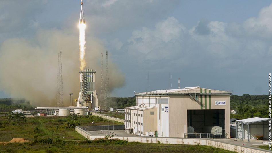 """""""Sojus""""-Rakete beim Start: Neue Satelliten für das O3b-Netzwerk"""