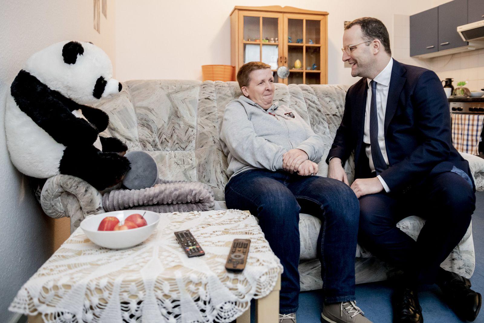 Jens Spahn besucht Wohnprojekt für Menschen mit HIV