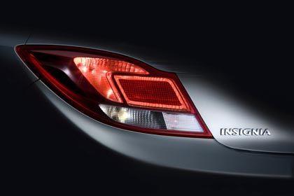Opel Insignia: Mehr als diesen Ausschnitt gibt es vom neuen Auto noch nicht zu sehen.