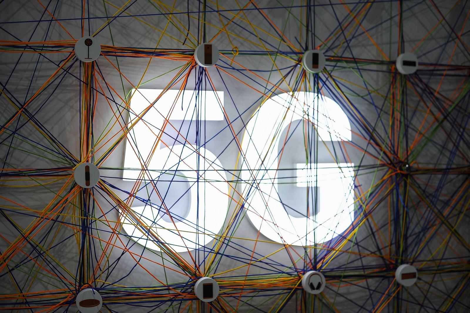 EINMALIGE VERWENDUNG 5G/ Logo