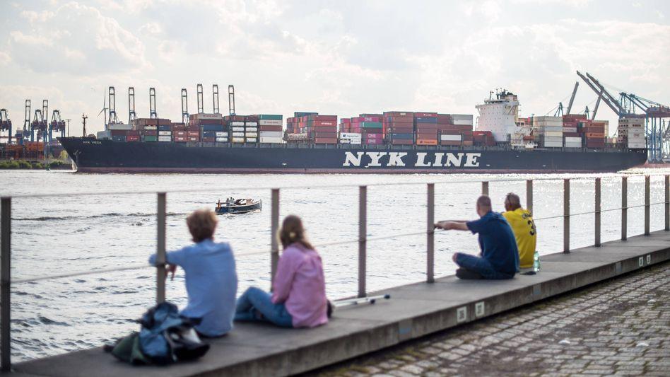 Containerschiff im Hamburger Hafen: In der Pandemie schwächelt der Welthandel