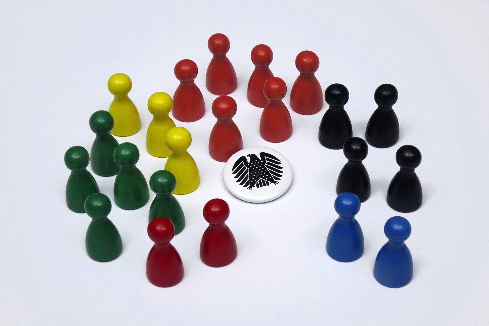 Spielfiguren in Parteifarben Button mit Bundesadler Spielfiguren in Parteifarben Button mit Bundesadler, 07.09.2021, Bor