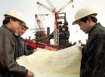 Ingenieure bei Thyssen-Krupp: Demontage eines alten Hochofens