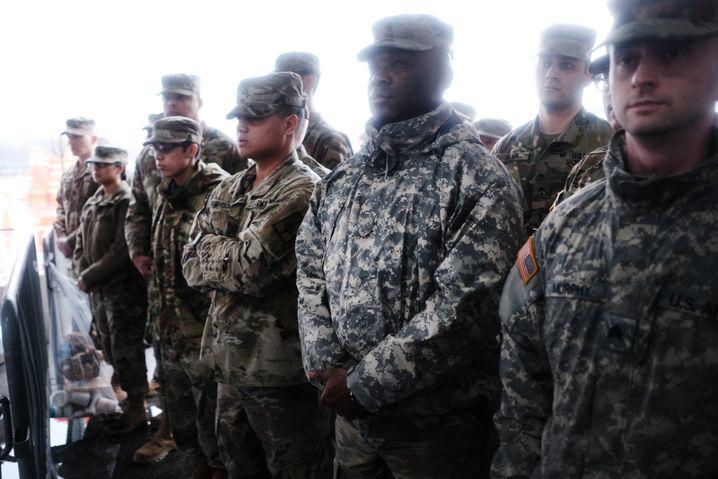 Kontroverse Maßnahme: Cuomo schickte die Nationalgarde nach New Rochelle
