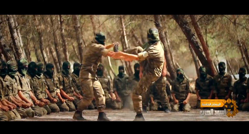 Screenshot aus dem Propagandavideo von Ahrar al-Sham: Krieger-Image verbreiten