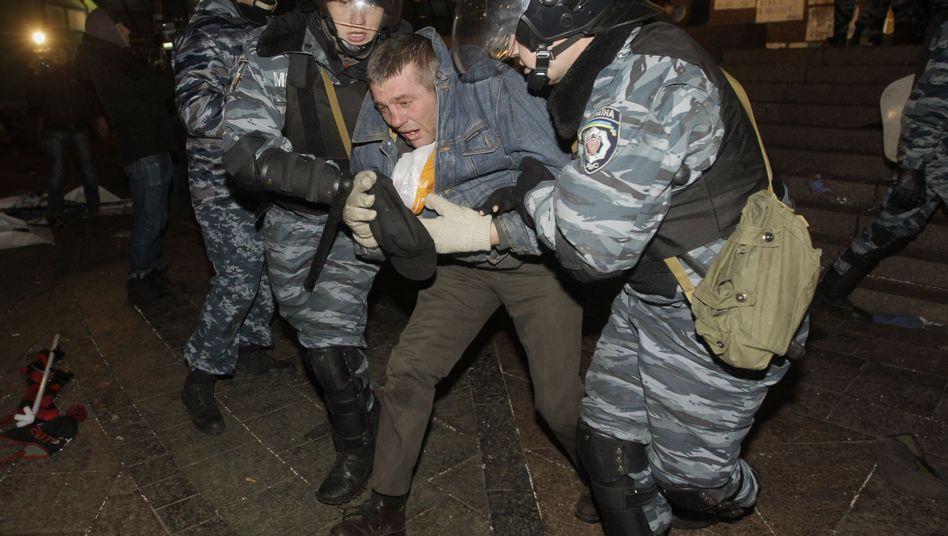Proeuropäische Bewegung: Ukrainische Polizei löst Demonstration gewaltsam auf