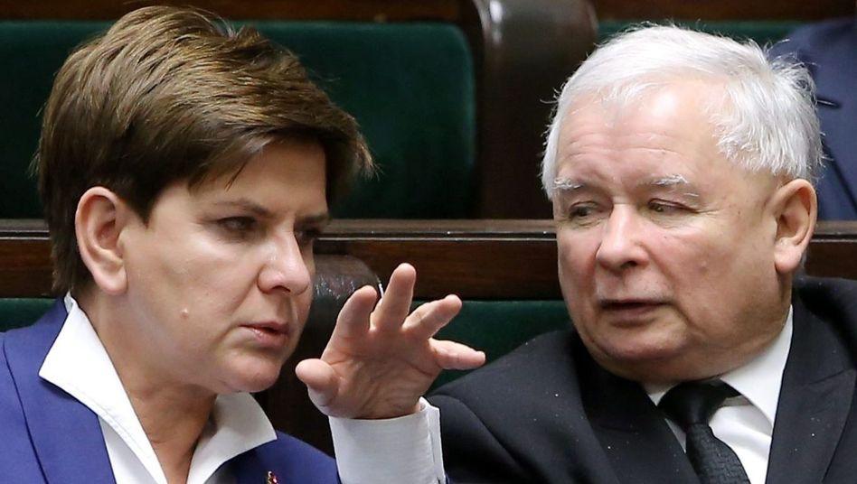 Ministerpräsidentin Szydlo, PiS-Chef Kaczynski: Ärger mit Berlin